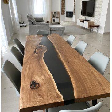 Производство столов с рекой из эпоксидной смолы и дерева